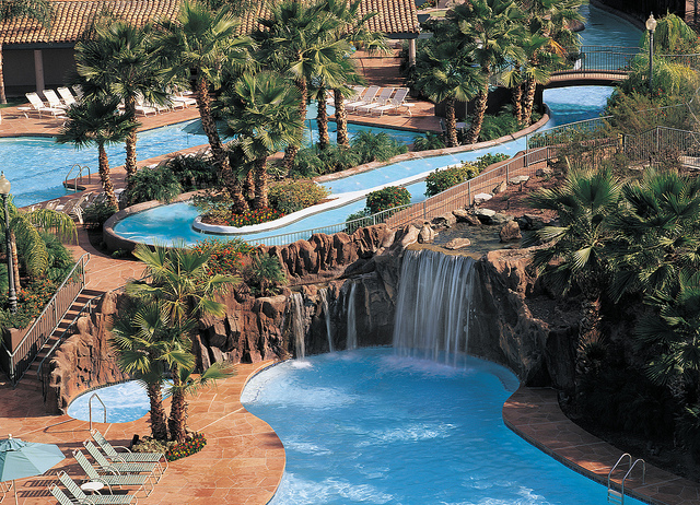 hotels in scottsdale with water slides