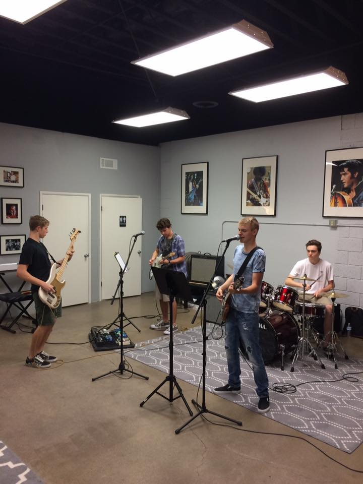 Strum University Cultivates A Passion For Music North Phoenix